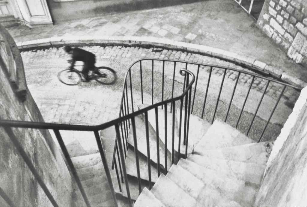 Hy?res, France, 1932 by Henri Cartier-Bresson